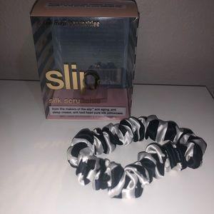 Slip silk SCRUNCHIE